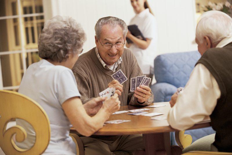 Les aînés sont au centre des préoccupations à la Ville de Contrecœur. | Comstock