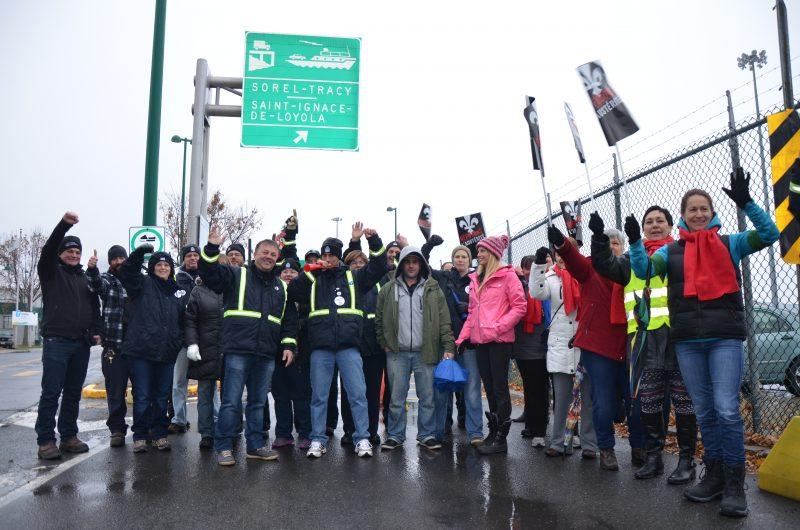 Les employés de la traverse ont manifesté, à rotation, durant les 48 heures de la grève. | TC Média - Sarah-Eve Charland