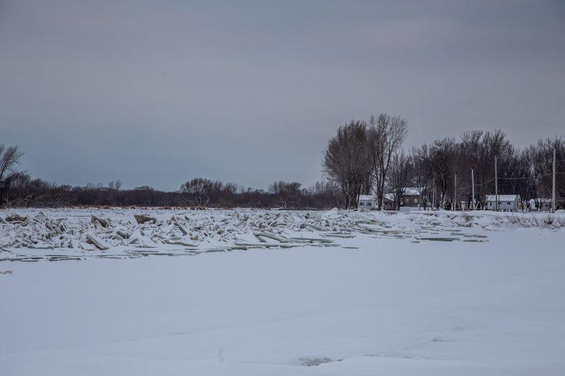 Des accumulations de glace se sont formées à Yamaska. | TC Média - Pascal Cournoyer