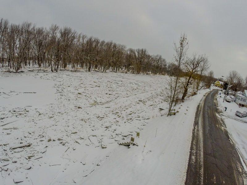 La glace s'est aussi brisée à Sainte-Anne-de-Sorel. | TC Média - Pascal Cournoyer