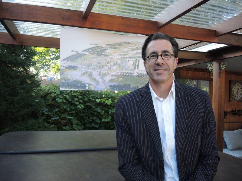 Yanick Caisse a présenté son projet de développement en conférence de presse. | TC Média - Sarah-Eve Charland