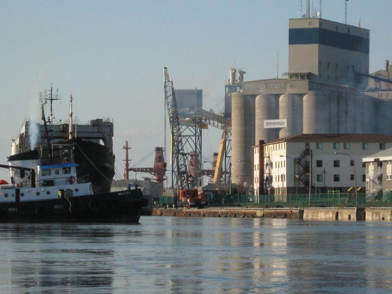 La présence d'élévateurs à grains au port de Sorel-Tracy génère des activités importantes. | TC Média – Gracieuseté /Hélène Blain