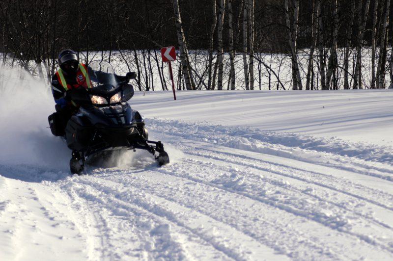 Malgré des températures peu clémentes, les motoneigistes ont tout de même connu une belle saison. | TC Média - Archives