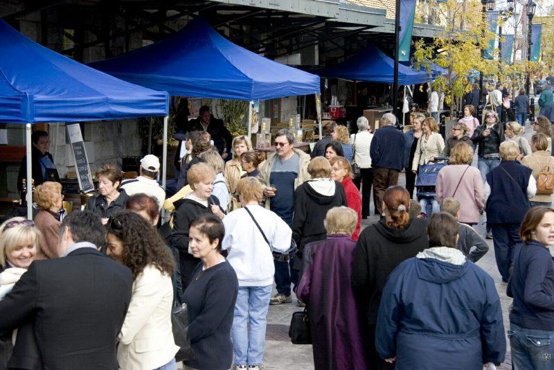 Le Rendez-vous des Saveurs avait attiré en 2006 de nombreux visiteurs enthousiastes. Le marché du Vieux-Saurel s'inspire un peu de sa formule gagnante réunissant producteurs agricoles et de produits transformés. | Photo: TC Media- Archives
