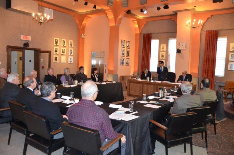La première rencontre du caucus des maires des municipalités riveraines du lac Saint-Pierre s'est tenue le 14 mars à l'Hôtel de Ville de Sorel-Tracy. | TC Média - Sarah-Eve Charland