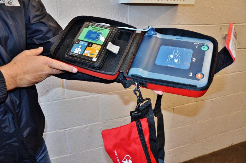 L'intervention rapide des policiers, le travail efficace des paramédics et l'utilisation du défibrillateur ont permis de sauver la vie d'un homme à Sorel-Tracy, le 8 avril dernier. | TC Média – Julie Lambert