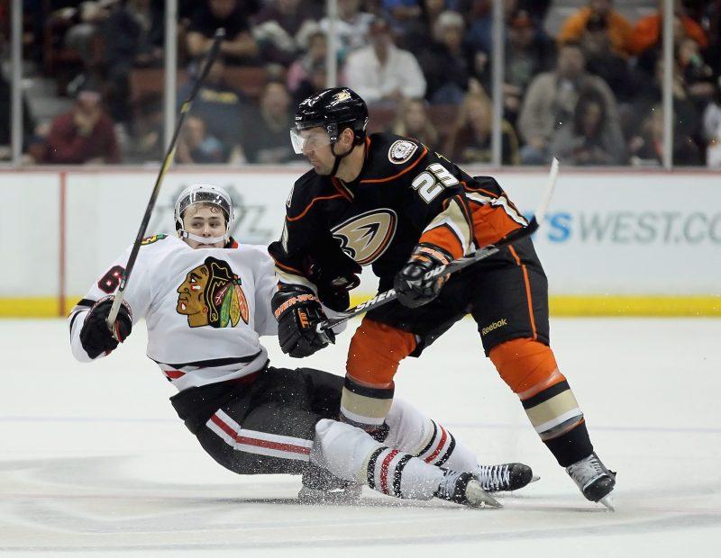 François Beauchemin a connu une très bonne saison avec les Ducks d'Anaheim malgré une élimination en troisième ronde des séries. | Jeff Gross/Getty Images/AFP