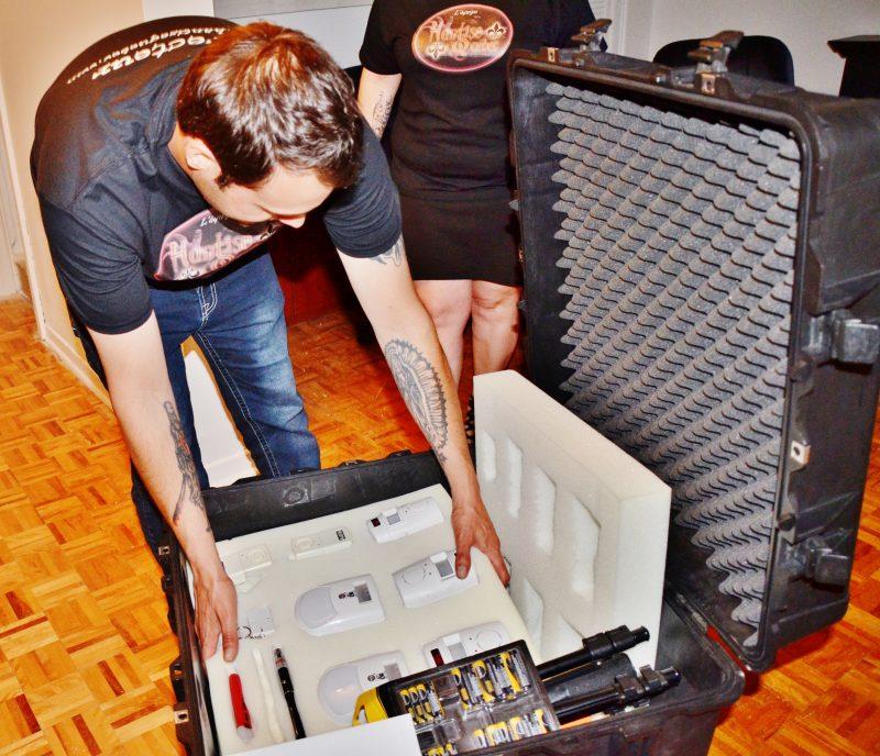 Pour faire une enquête paranormale, il faut des milliers de dollars de matériel. | Photo: TC Média - Julie Lambert