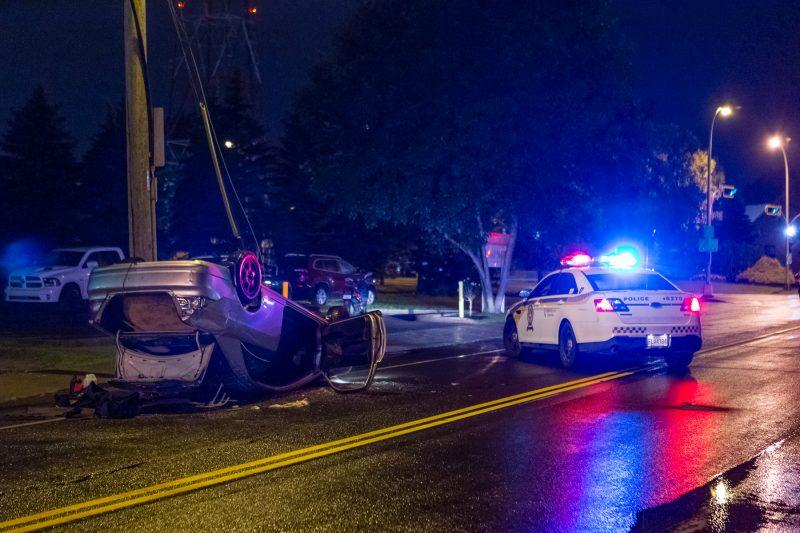 Un spectaculaire accident est survenu vers 12h45, le 15 juillet, sur la rue du Roi. | TC Média - Pascal Gagnon, PG PhotoGraphePascal Gagnon
