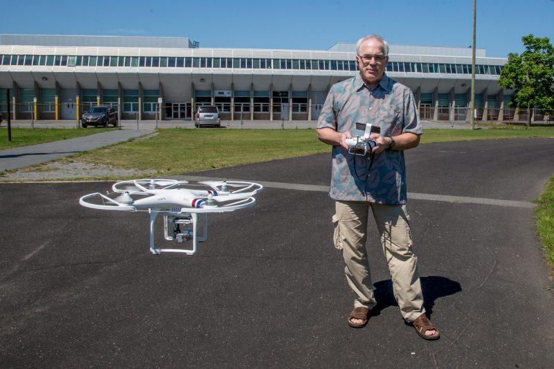 Le photographe Philippe Manning a acquis un drone à des fins commerciales. | TC Média - Pascal Cournoyer
