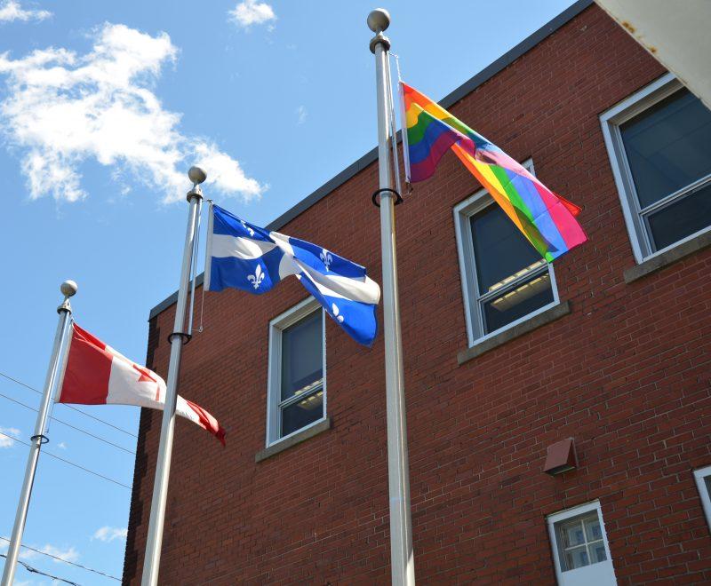 Comme chaque année, la MRC de Pierre-De Saurel hissera le drapeau arc-en-ciel pour souligner la Journée de lutte contre l'homophobie, le 17 mai. | Photo: TC Média - Archives