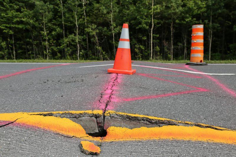 Une importante bosse s'est formée sur l'autoroute 30 le 12 juillet dernier et d'autres pourraient se former d'ici la fin de l'été, confirme le ministère des Transports du Québec. | Photo: TC Média – Pascal Cournoyer