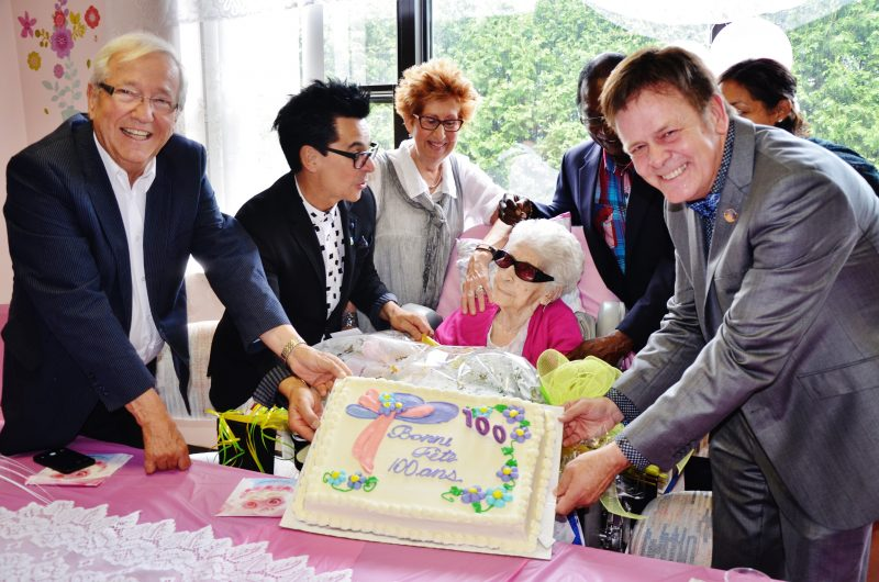 La centenaire Fernande Guèvremont était entourée de ses proches et de plusieurs personnalités connues de la région lors de son anniversaire le 12 juillet dernier à la résidence Sorel-Tracy. | Photo: TC Média - Julie Lambert