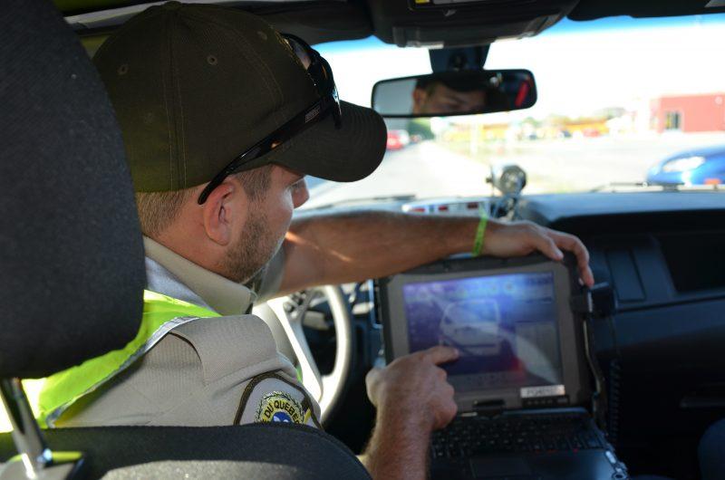 Les policiers utilisent un lecteur de plaques depuis environ trois ans. | TC Média - Sarah-Eve Charland