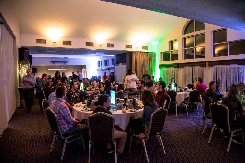 Environ 110 personnes étaient présentes le 6 novembre, à l'occasion du premier Gala Reconnaissance Desjardins, au Club de golf Continental. | Photo: TC Média - Pascal Cournoyer