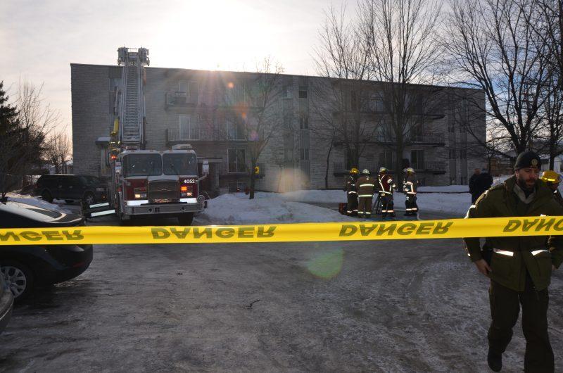 Les pompiers et la Sûreté du Québec ont été dépêchés sur les lieux de l'incendie. | TC Média – Jonathan Tremblay