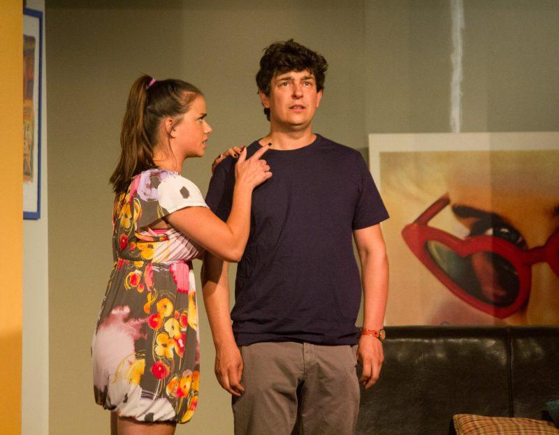 Phillipe joué par Maxime Tremblay aura une proposition surprenante de sa belle-sœur, Valérie (Mirianne Brulé). | Photo: TC Média - Archives