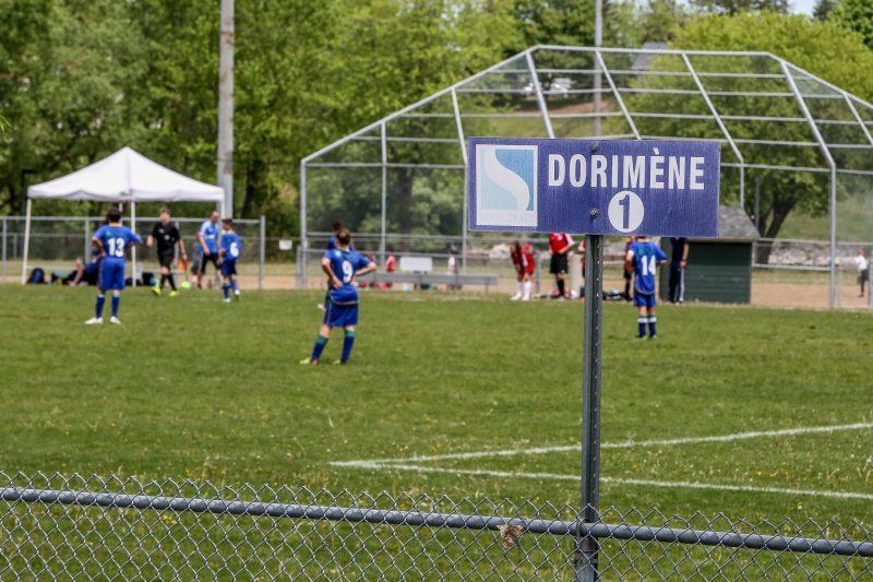 Le Tournoi provincial Avaya de Sorel-Tracy a regroupé 40 équipes au parc Dorimène-Desjardins. | Photo: TC Média – Pascal Cournoyer