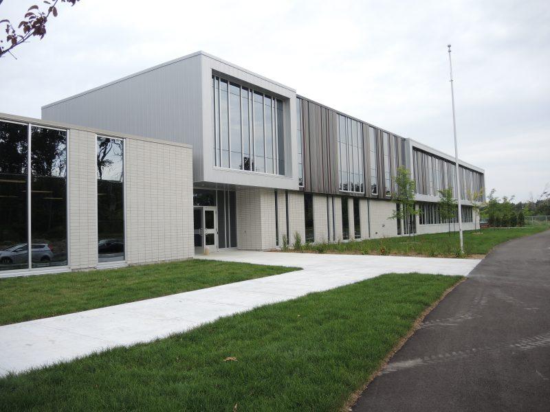 L'école primaire des Cœurs-Vaillants sera agrandie pour répondre aux besoins d'espace. | Photo: TC Media – Archives
