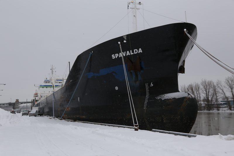 Le cargo est au quai Richelieu depuis quelques semaines. | Photo TC Média - Pascal Cournoyer