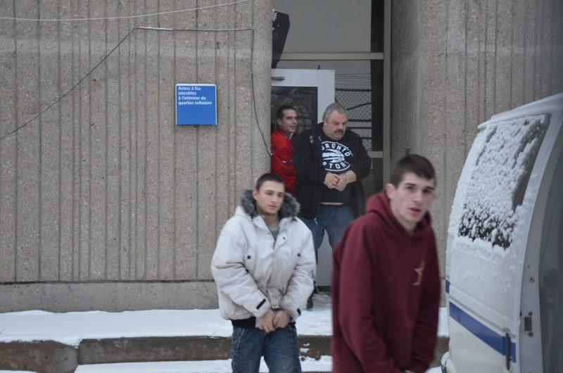 Patrick Berthelette, Stéphane Vendette, Steven Lefebvre et Martin Quinio lors de leur sortie du palais de justice de Sorel-Tracy. | TC-Media - Jonathan Tremblay
