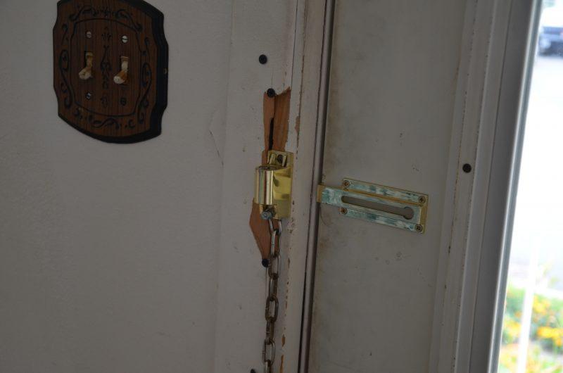 Les murs et les cadres de portes ont été endommagés. | TC Média - Sarah-Eve Charland