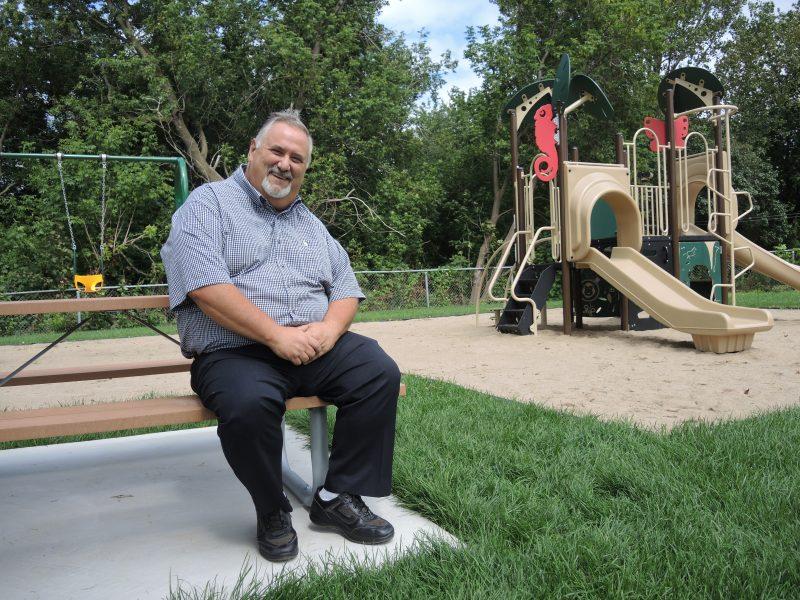 Le conseiller du district Du Foubourg, Alain Maher, a investi dans le parc Barabé durant son dernier mandat. | TC Média - Sarah-Eve Charland