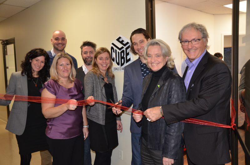 Les membres de la Chambre de commerce accompagnés des partenaires et de l'entrepreneur Nicolas Duvernois. | TC Média - Sarah-Eve Charland