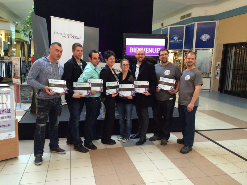 Plusieurs entrepreneurs ont reçu des plaques lors de la première journée du Salon Entrepreneurs en action! aux Promenades de Sorel, le 18 novembre. | Photo: TC Média - Marcel Rainville