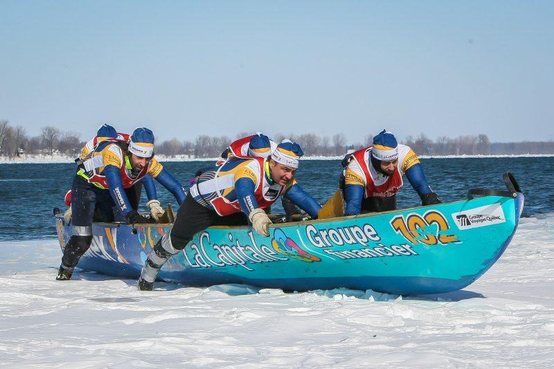La course de canot à glace se déroulera le 27 février 2016 au quai no 2. | Tc Média - Pascal Cournoyer