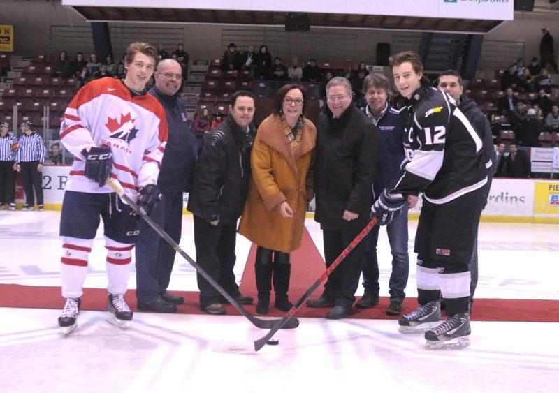 La région avait aussi accueilli la compétition en décembre 2013 entre Équipe Québec U17, incluant Anthony Beauvillier (à gauche), et les étoiles collégiales de 17 et 18 ans du RSEQ. | TC Média – archives
