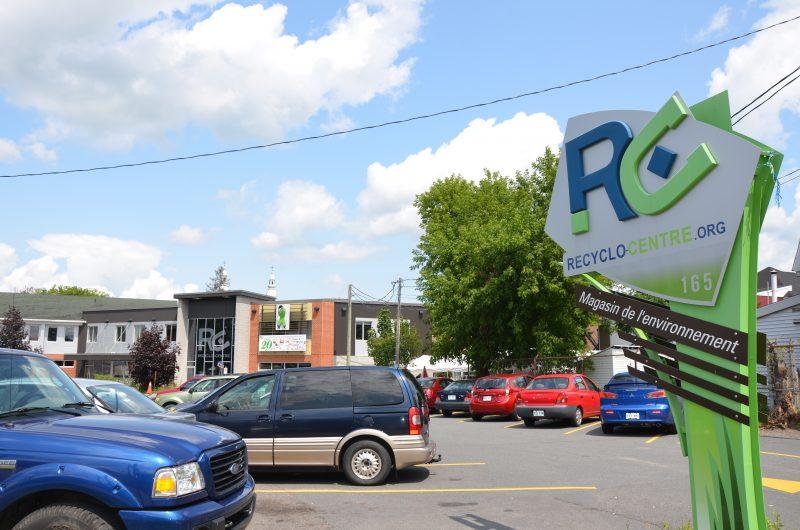 Les nouveaux administrateurs travaillent à la relance du Recyclo-Centre. | TC Média - Sarah-Eve Charland