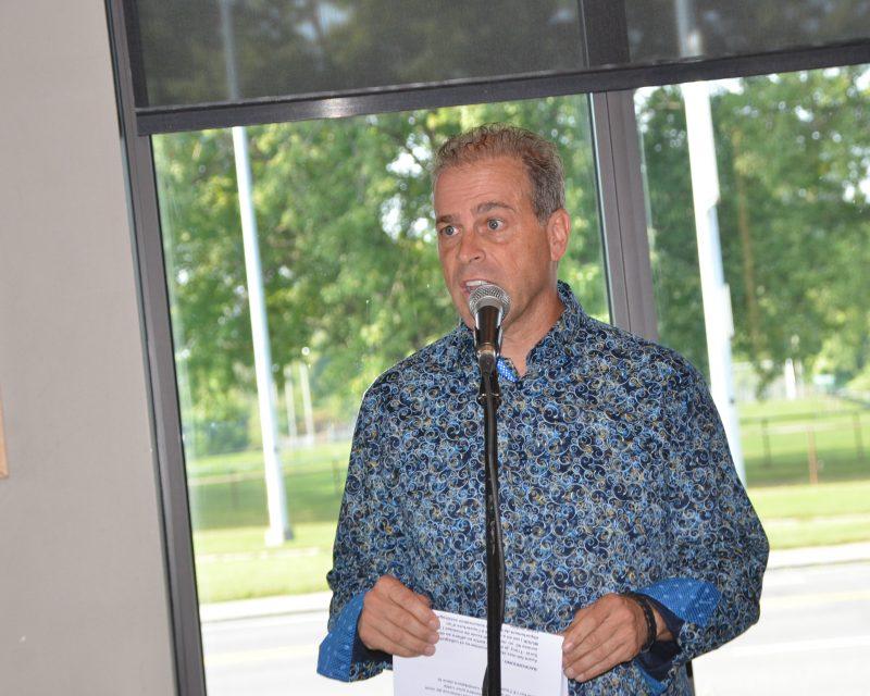Stéphane Béland a officiellement lancé sa campagne électorale le 19 septembre, au restaurant Saint-Hubert. | Photo: TC Média - Jean-Philippe Morin