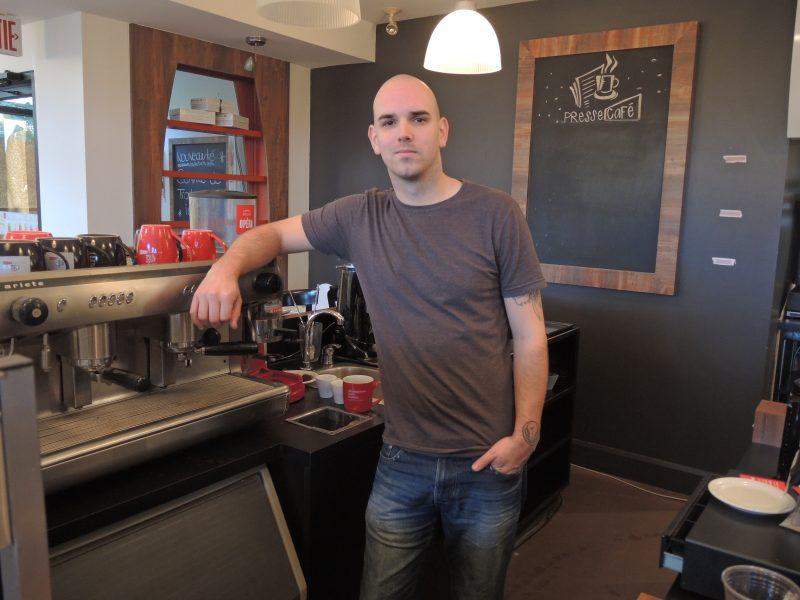 L'entrepreneur Marc Faucher fait le pari de redynamiser le Presse Café de Sorel-Tracy au bout de l'allée piétonnière de la rue Augusta. | TC Média - Sarah-Eve Charland
