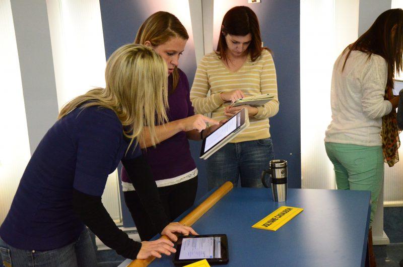 En novembre 2012, les enseignants de la région ont reçu une formation sur l'utilisation des tablettes électroniques. | Photo: TC Média - archives