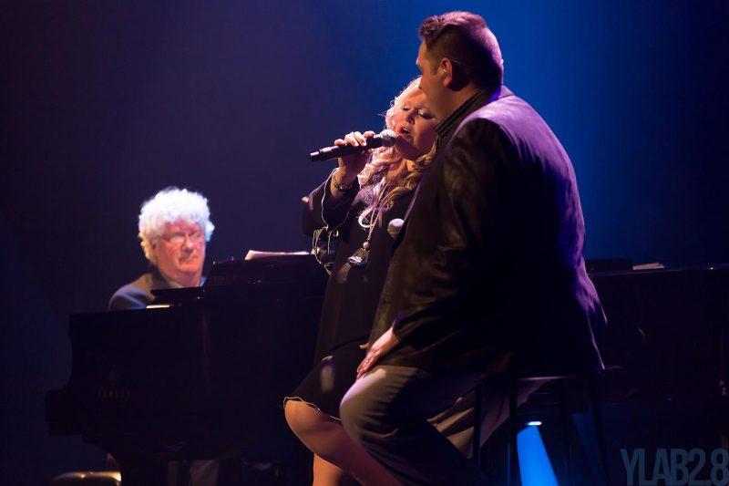 Le duo 2 Inconnus, formé d'Éric Bernier et Anne Matte, présentera un nouveau spectacle à la Place des Arts de Montréal, le 9 octobre prochain, à 20h. | yveslabrosse111@gmail.com