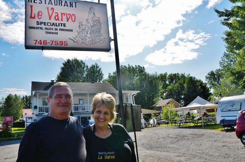 Les propriétaires du restaurant Le Varvo, Jacques Pelletier et Diane Joyal-Pelletier, mettront la clé dans la porte en septembre prochain. | Photo: TC Média – Julie Lambert