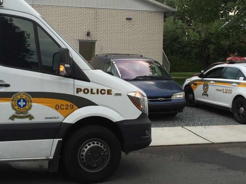 Une suspect de 59 ans s'en est pris à une victime de 26 ans avec une arme blanche. | TC Média - Jean-Philippe Morin
