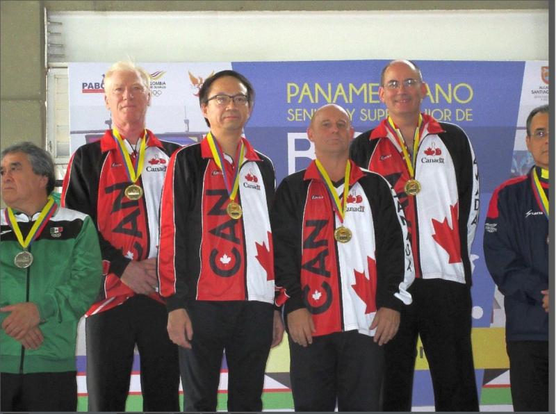Richard Lafleur (à gauche), en compagnie de ses coéquipiers, a remporté deux médailles d'or au championnat international.   Gracieuseté