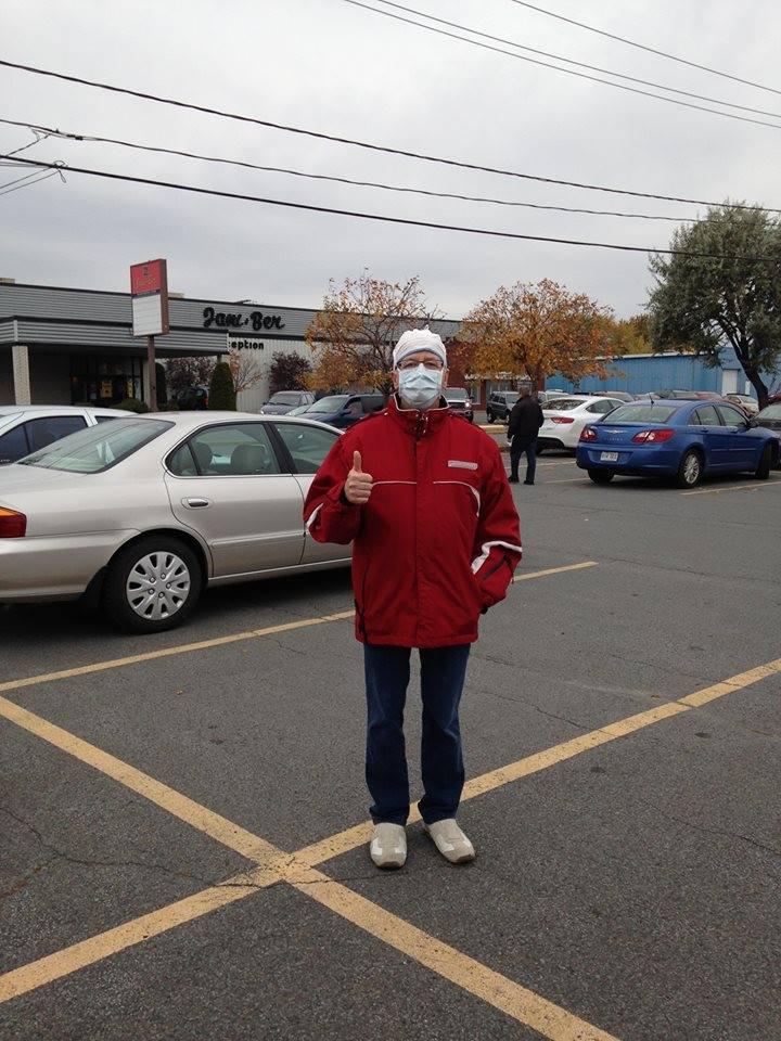Pierre Rochefort a exercé son droit de vote à la salle Jani-Ber à Sorel-Tracy.   Gracieuseté