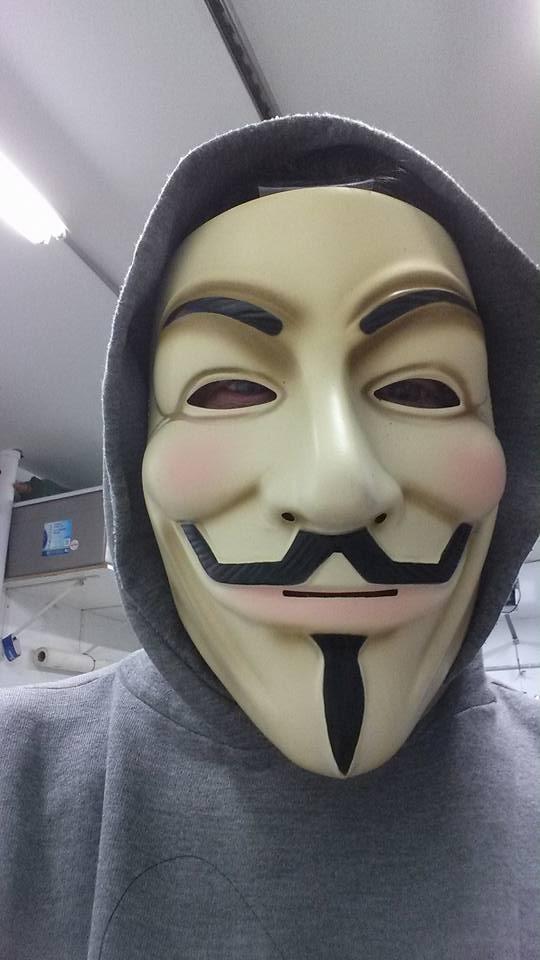 Stéphane Lacasse a arboré un masque lorsqu'il est allé voter.   Gracieuseté
