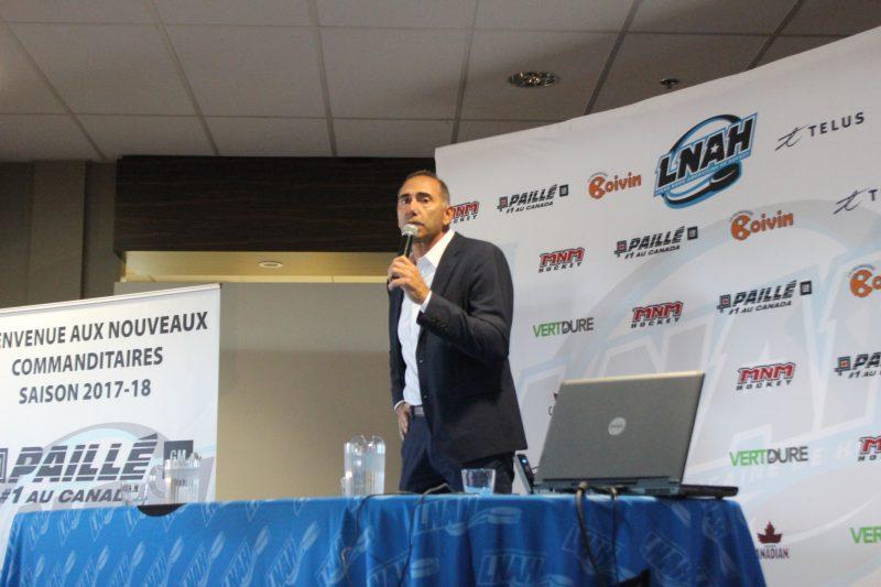 Le commissaire de la Ligue nord-américaine de hockey, Richard Martel, a accordé une entrevue au journal Les 2 Rives au sujet de la saison 2017-2018 et de son arrivée dans le circuit. |  © Photo: TC Média – Jonathan Cossette
