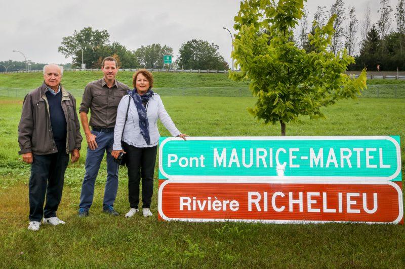 Les membres de la famille de Maurice Martel (de gauche à droite) Lucien, Alexandre et Claire, étaient très contents de l'hommage. | Pascal Cournoyer