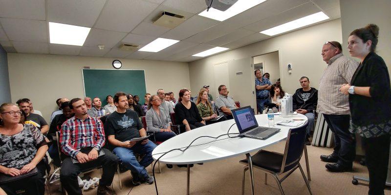 Une trentaine de personnes ont participé à une conférence sur les possibilités d'emplois chez Riviera. | Photo: Gracieuseté
