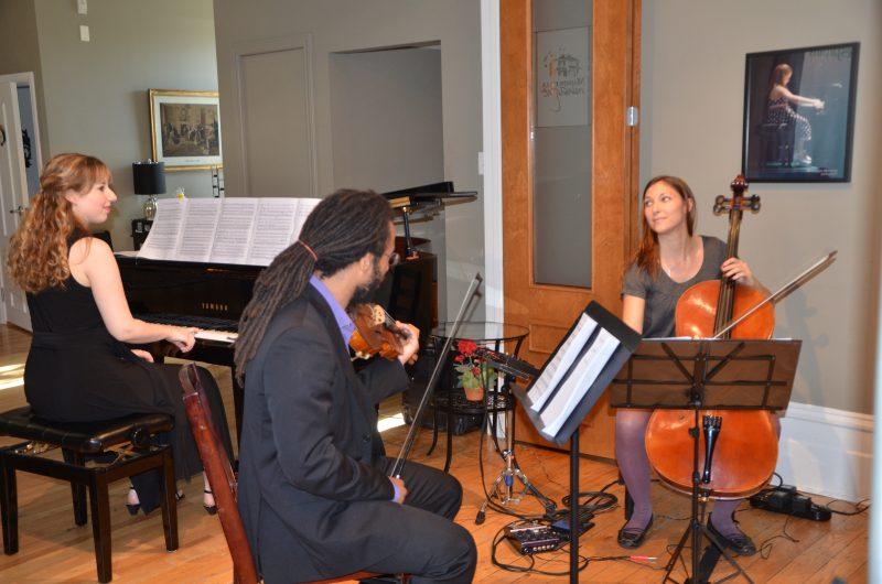 Le trio Trifantasy avec la Soreloise Laurence Manning (à gauche) charmera lors des Journées de la culture le 1er octobre.   Photo: TC Media - Julie Lambert