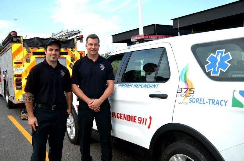 Les premiers répondants Jimmy Dandonneault et Philippe Loiselle ont sauvé la vie d'une dame âgée le 25 septembre. | Photo: TC Media – Julie Lambert