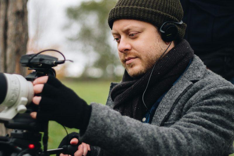 Guillaume Lambert jouera un personnage inspiré de sa propre vie dans son long métrage Les scènes fortuites. |  © Photo: Gracieuseté/Visa Niemeläinen