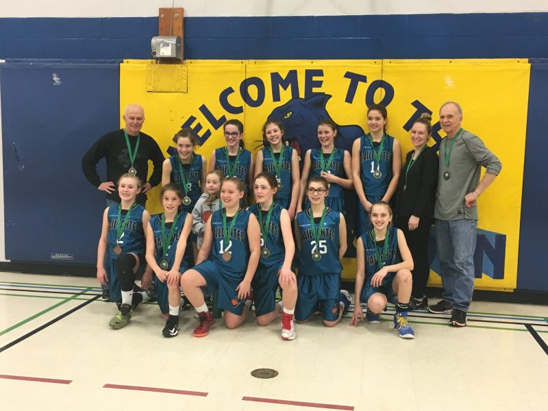 Les Vaillantes ont bien fait au tournoi de Gloucester, en Ontario. Elles ont gagné le bronze. | Photo: gracieuseté