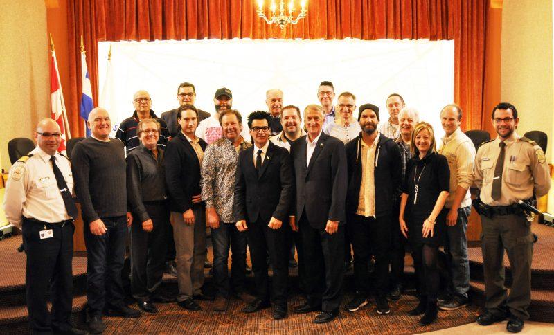Élus et commerçants du centre-ville se sont réunis le 21 mars, à 11h, à l'Hôtel de ville. | Photo : gracieuseté