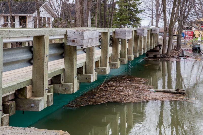 Le niveau d'eau dans certains secteurs de Sainte-Anne-de-Sorel est haut mais ne semble pas inquiéter outre mesure. | TC Média - Pascal Cournoyer, Pascal Cournoyer